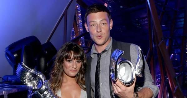 Lea Michele faz homenagem a Cory Monteith nos três anos de ...