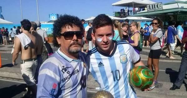 Sósias brasileiros de Maradona e Messi divertem argentinos em ...