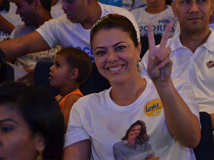Leila Gomes de Barros Rêgo, conhece? A Leila do Vôlei é candidata a deputada distrital no Distrito Federal pelo PRB. Ela declarou um patrimônio de quase R$ 1,5 milhão e tem na garagem um carro popular