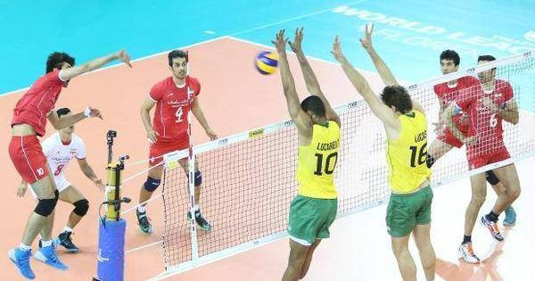 Classificado, Brasil perde e elimina atual campeã Rússia - Rede ...