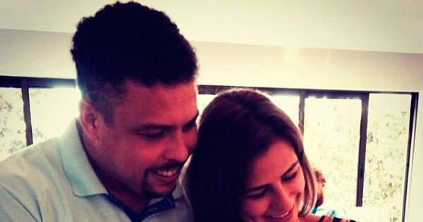 """Ronaldo e Paula Morais visitam afilhada: """"Apaixonados ..."""