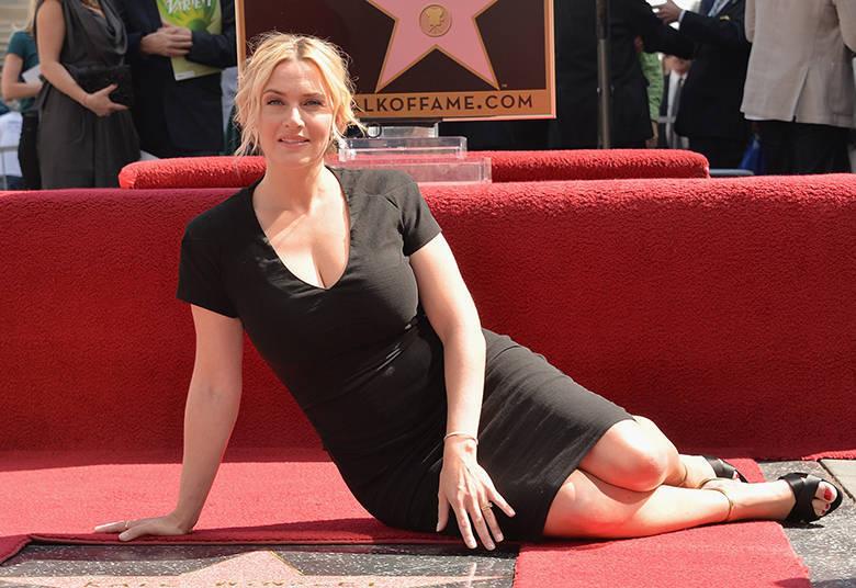 A bela Kate Winslet é um caso. A loira não fez só a clássica cena do Titanic. Ela também tirou a roupa em Foi Apenas Um Sonho, Pecados Íntimos, Paixão Proibida e Hamlet