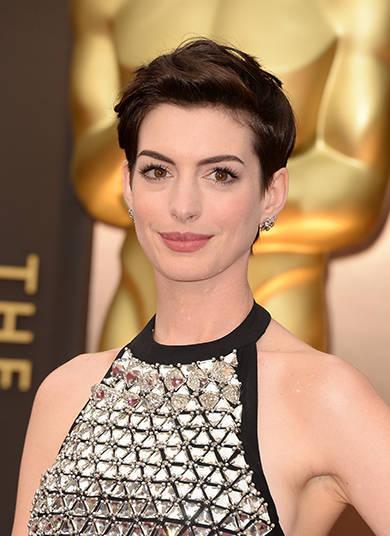 Anne Hathaway mostrou o corpão em O Segredo de Brokeback Mountain, Amor e Outras Drogas e O Casamento de Rachel