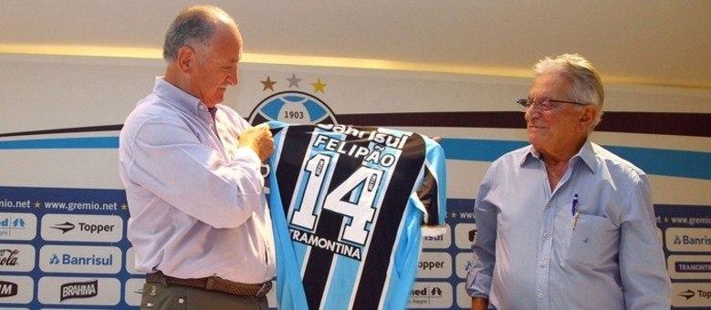 Após fiasco na Copa, Felipão é anunciado como novo técnico do Grêmio