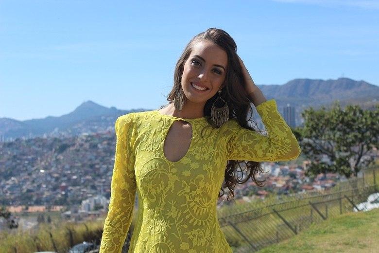 Em Ibirit�, a escolhida foi Camila Fernandes. Agora ela quer o t�tulo estadual!