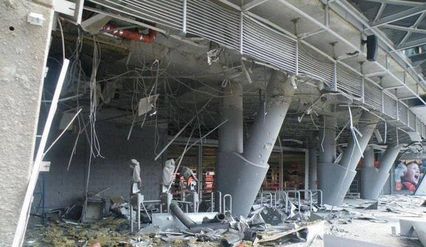 Estádio de time de brasileiros é bombardeado na Ucrânia. Veja as imagens