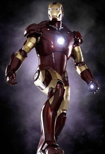 5 - Homem de Ferro (2008)Apesar de não ter um vilão carismático, o filme foi um marco na cinematografia da Marvel. O lado sarcástico e ácido de Tony Stark é absurdamente cativante e é nisso que o filme se baseia. Divertidíssimo!
