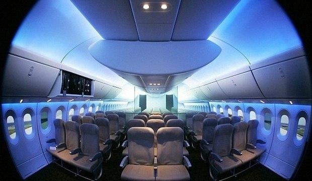 Você sabe onde dorme a tripulação dos grandes aviões? Descubra