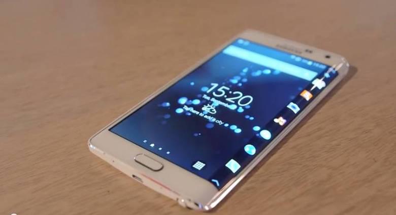 O Android foi modificado para funcionar de maneira diferente no Galaxy Note Edge por causa da sua borda curvada. Alguns aplicativos podem interagir de maneira diferente por meio da curvatura