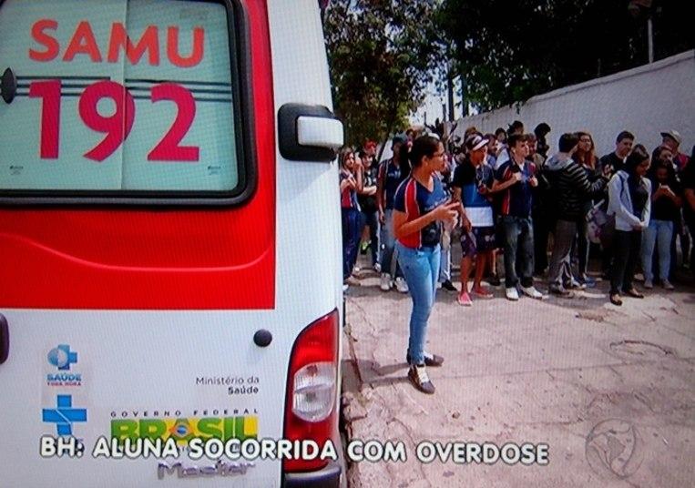 Uma adolescente de 15 anos passou mal dentro de uma escola da região da Pampulha, em Belo Horizonte. Estudantes e professores acreditam que o motivo tenha sido o uso de drogas