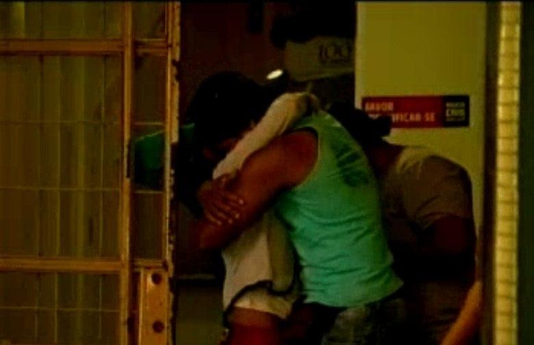 Na saída do Departamento de Investigações, Ivanir Alves, a mãe do garoto,  não conseguiu segurar a emoção. Foram mais de 14 horas de depoimento  até descobrir a verdade.— Ele confessou que matou o menino. A madrasta sabia e não quis falar