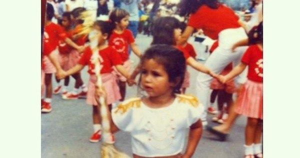 Nanda Costa mostra foto de quando era pequena comemorando o ...