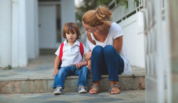 Descubra como evitar que seu filho mais velho sinta ciúme do irmão caçula