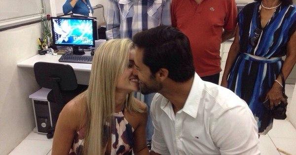 Aryane Steinkopf e Beto Malfacini se casam no civil; veja fotos da ...
