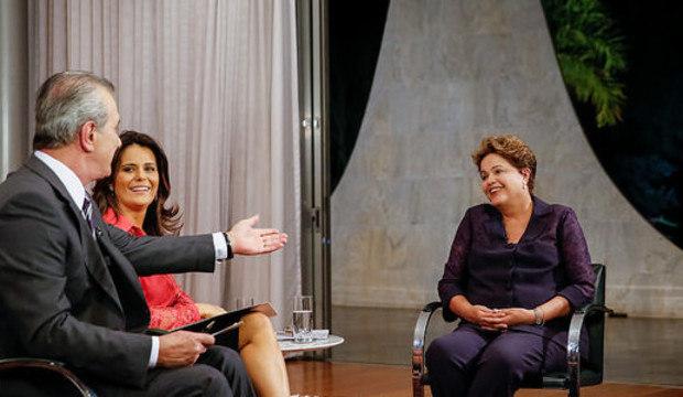 Em entrevista ao <em>Jornal da Record</em>, Dilma diz que educação é prioridade