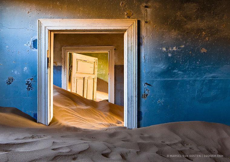 Não é só água que faz estrago. Tempestade de areia também pode fazer um baita estrago...