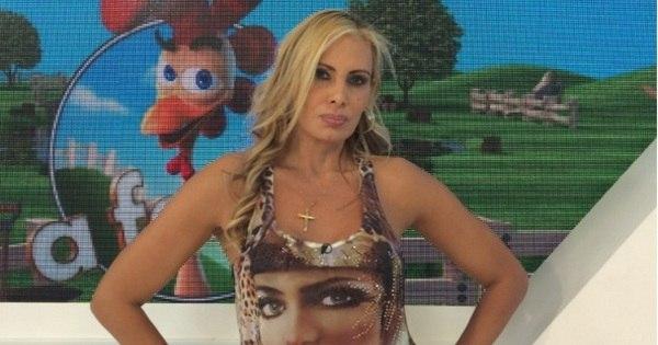 Brasil já atingiu 83 mil cirurgias estéticas por mês e lipoaspiração e ...