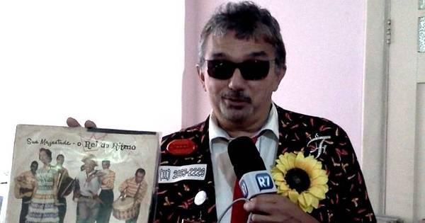 Repórter especial do R7, Falcão brega procura discos raros em ...
