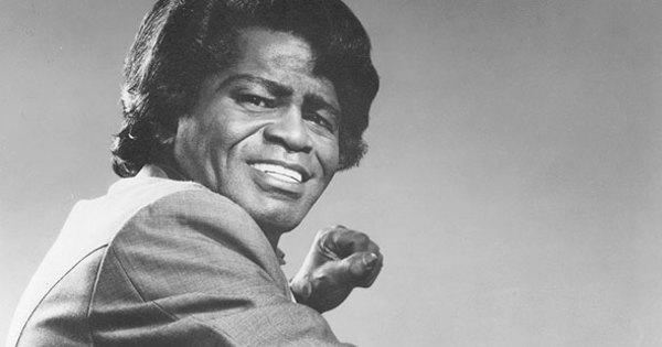 """""""Ele ainda não foi enterrado"""", revela motorista do cantor James Brown"""