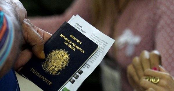 Alta do dólar faz pedidos de visto para os EUA despencarem ...