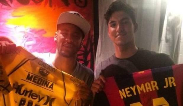 Campeão mundial de surfe, Gabriel Medina divide uma paixão com seu amigo Neymar