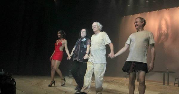 Ney Latorraca estreia peça de teatro e recebe amigos - Fotos - R7 ...