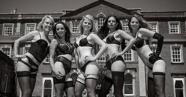 Gatas do hipismo posam para calendário só de lingerie - Fotos - R7 ...