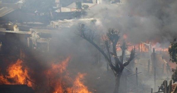 Após incêndio em favela do Brás, moradores tentam reconstruir ...