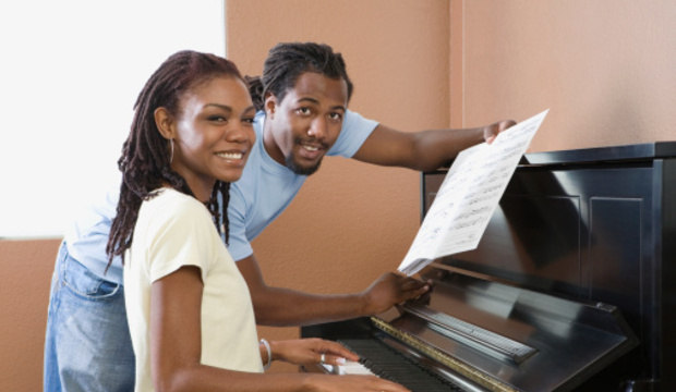 Um hobby para dois! Aprender algo juntos reativa a confiança entre o casal