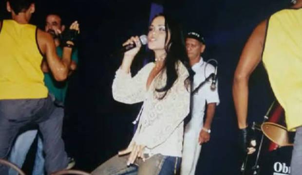 Cantora do hit <em>Dança da Motinha</em> revela que sofre de autismo<br />