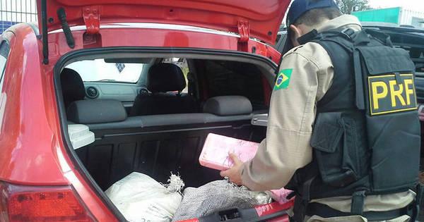PRF detém traficante com 30 kg de drogas dentro de veículo na BR ...