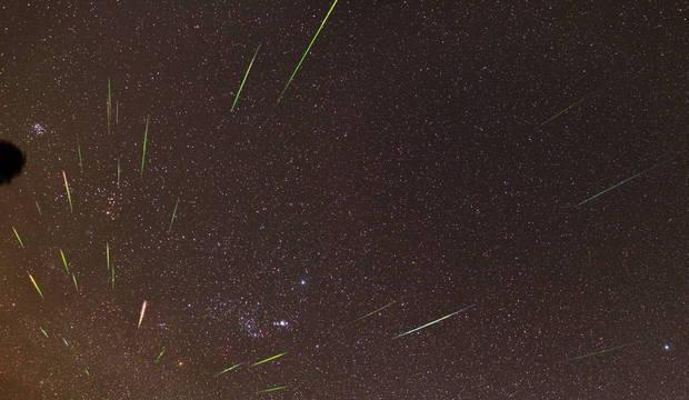 Cometa Halley faz meteoros cruzarem o céu da Terra na madrugada da terça (21)