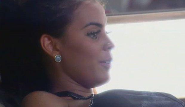 """E o Diego? Lorena xaveca Leo na cara dura: """"Vou correr louca atrás de você!"""""""