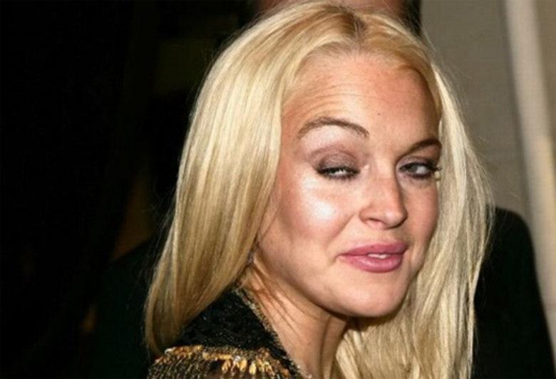 Lindsay Lohan é rainha em sair mal na foto. Sério! A gata, que normalmente estava bêbada na hora dos cliques, tem o dom de capturar seu pior ângulo