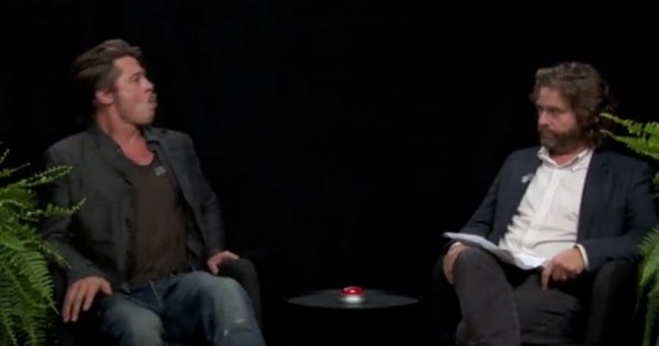 Brad Pitt cospe chiclete em comediante após pergunta sobre ...