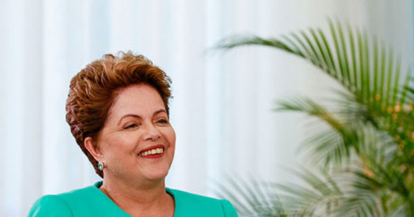Dilma Rousseff vence Aécio Neves nas urnas e é reeleita ...