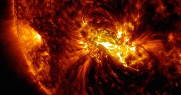 Mancha gigante no Sol pode causar enorme tempestade solar ...
