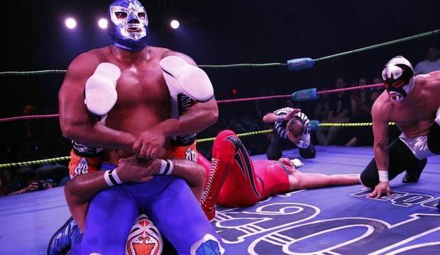 Lutas de marmelada reúnem personagens bizarros no México