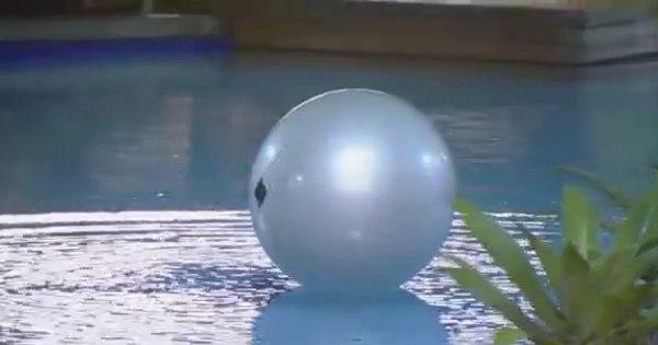 Bola pra cima! Peões jogam vôlei com bola da academia - Fotos ...