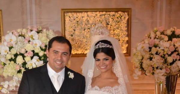 Xand, do Aviões do Forró, se casa em Fortaleza com Isabele Temoteo