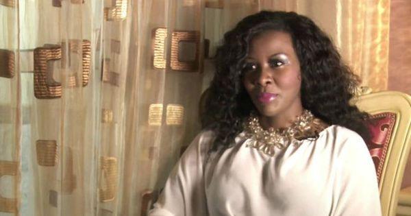 Cantora pop foge para evitar prisão após ser vítima de 'vingança ...