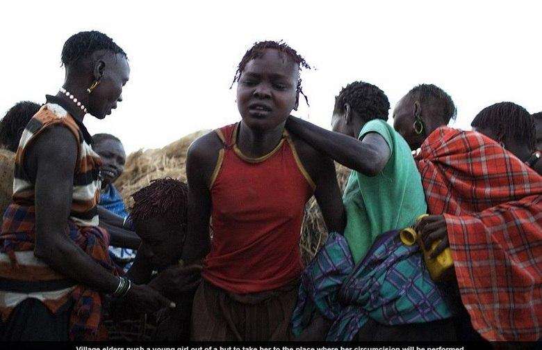 A lei queniana prevê prisão perpétua para os responsáveis pela mutilação em caso de morte da vítima. Além da dor quase insuportável, o ato pode causar hemorragias, choques psicológicos e complicações futuras na vida sexual da mulher e o parto, para as que serão mães.Isso acontece porque os objetos utilizados não são esterilizados