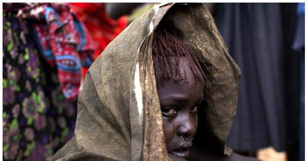 Fotógrafo registra dor e lágrimas de meninas em cerimônia de ...