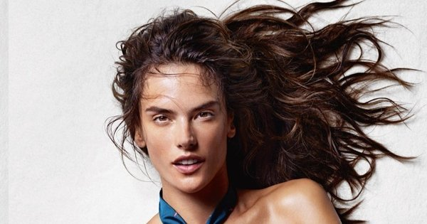 Só de gravata! Alessandra Ambrosio faz a alegria masculina e posa ...