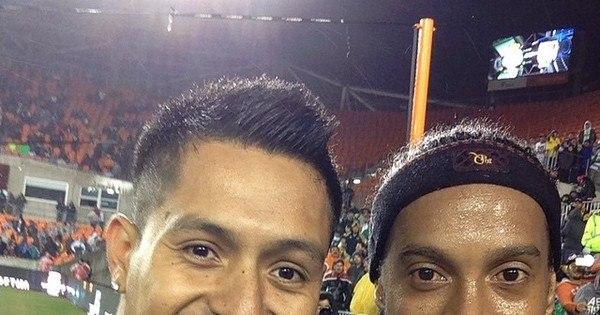É muito amor! Conheça o fã número 1 de Ronaldinho - Fotos - R7 ...