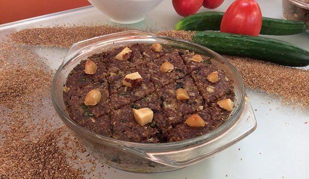 Faça quibe assado com tabule de quinoa e surpreenda com cardápio diferente