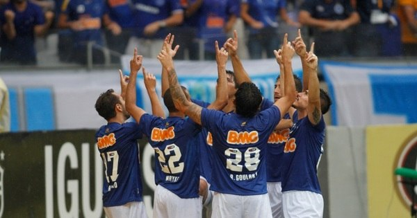 Bicampeão brasileiro é só o 14º melhor do mundo em ranking ...