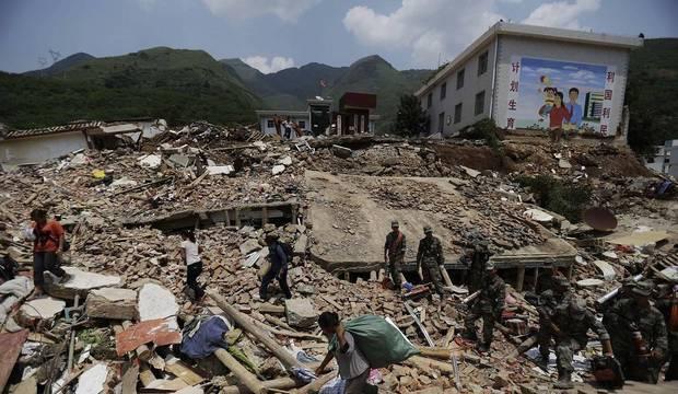 Terremoto na China deixa 4 mortos; confira outros destaques no Brasil e no mundo