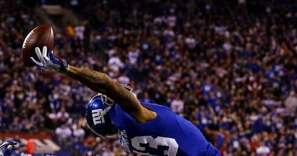 Jogador de futebol americano vira 'homem elástico' para marcar ...