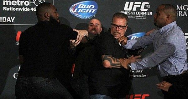 Veja sete motivos para acreditar no fracasso de Jon Jones no UFC ...